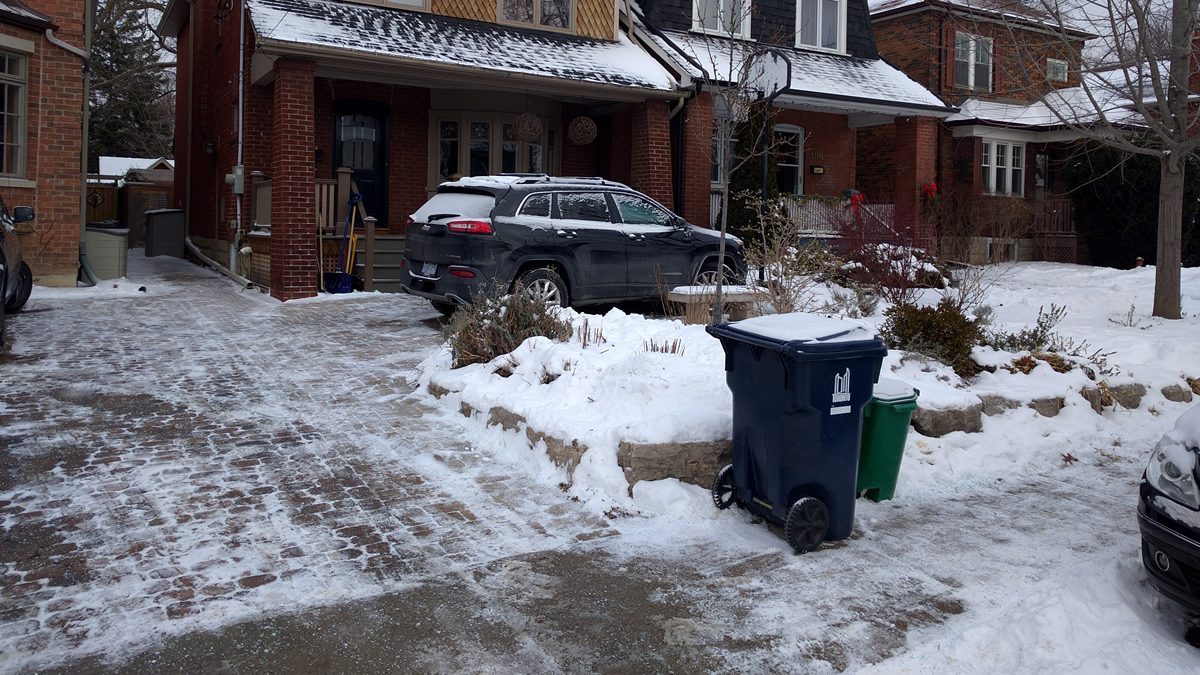 Snow removal and salting at a client house in Lytton Park - Gardenzilla