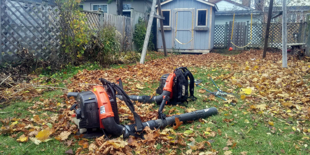 Fall leaf cleanups and leaf raking by Gardenzilla in Midtown & North Toronto.