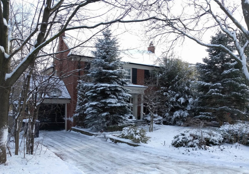 Snow shoveling salting and removal services in Midtown & North Toronto